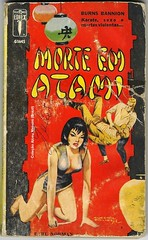 "1964 - Morte Em Atami / Kill Me In Atami - Earl Norman - rare cover by Eugênio Colonnese (""The Brazilian 8 Track Museum"") Tags: alceu massini vintage collection pulp fiction noir novel karate burns bannion sexy art cover oriental"