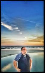 10/27/17 - Sunset on the Beach @ Hilton Head Island, SC (CubMelodic23) Tags: october 2017 vacation trip hdr sunset beach ocean sand hiltonheadisland southcarolina me dave selfportrait moon