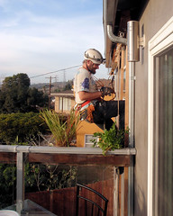 004 Ian Inspects His Rig Very Carefully (saschmitz_earthlink_net) Tags: 2017 california southerncaliforniagrotto christmasparty losangelescounty baldwinhills windsorhills party climbing practice