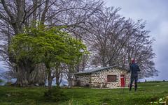 Aginalde (Jabi Artaraz) Tags: jabiartaraz jartaraz jondogorta arimegorta parque natural de gorbea tejo refugio aginalde nature primavera retrato autorretrato