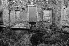 Crypt (Tom McPherson) Tags: cemetery grave graveyard crypt