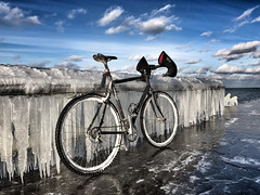 Winter Riding (Philocycler) Tags: chicago illinois unitedstates us icicle ice lakemichigan wintercycling cyclocross freezing cold winter iphonex