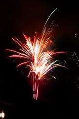 Feuerwerk 2 (klausullmann) Tags: feuerwerk firework newyear neujahr silvester rakete hamburg nacht night