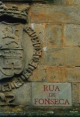 Triste y sola..... (Santos M. R.) Tags: universidad santiagodecompostela fonseca rua galicia tunos latuna