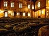 Kopfsteinpflaster (pyrolim) Tags: kopfsteinpflaster steine schloss eutin abend nacht licht ostholstein eutinschloss castle
