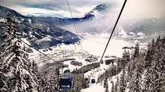 Zugspitze, Lermoos (DrQ_Emilian) Tags: winter snow white cold landscape mountains trees alps ski sloaps resort cabelcart high view snowboarding skiing travel outdoors sport fun lermoos zugspitze austria tirol light color fog foggy nature dezember season smartphone huawei