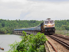 EMD in fury (mohammedali47) Tags: konkanrailway indianrailways wdp4d emd dadar tirunelveli railfans trainspotting trainspotters river bridge