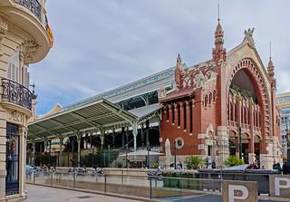 Mercado de Colon (Valencia) ( Fujifilm X70 28mm f2.8 Compact) (1 of 1)