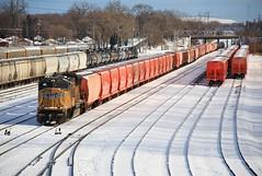 Riverdale Vista (BravoDelta1999) Tags: unionpacific up railroad indianaharborbelt ihb railway riverdale illinois blueisland yard emd sd70m 5053 manifest train