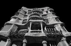 Casa Milá / Barcelona. www.instagram.com/gmauleons (gmauleons) Tags: monochrome noir fineart wanderlus old building sony gmauleons traveler white black travel arquitectura architecture gaudi mila españa spain now blackandwhite blancoynegro bw bnw barcelona
