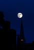 Torre y Luna / Tower and Moon (López Pablo) Tags: night moon church new york nikon d7200 urban