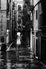 Barcelone sous la pluie 1 (Olivier DESMET) Tags: barcelone espagne catalogne olivierdesmet street streetphoto urbain urban barcelona pluie rain canon 6d 40mmstm paysageurbain rue noirblanc blackandwhite bw monochrome
