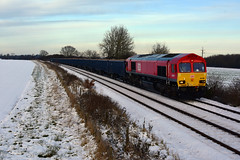 66016 6E63 Mountsorrel Quarry to Peterborough West Yard Tarmac Unloading Pad. Shot Taken at Langham Jn. This loco will soon become 66781? with GBRf 12-12-2017 (Iain Wright Photography) Tags: 66016 6e63 mountsorrel quarry peterborough west yard tarmac unloading pad shot taken langham jn this loco will soon become 66781 with gbrf 12122017 rutland class66 db cargo red shed bluebird jnas vtg