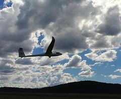 Chris on take-off, Runway 33 (i-lenticularis) Tags: ls6b sailplane glider canberraglidingclub bunyanairfield