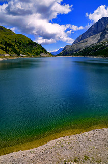 Day 32 - The Colours of the Fedaia Lake #2