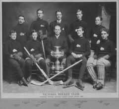 Winnipeg Victoria Hockey Club, 1909 [LAC] (vintage.winnipeg) Tags: winnipeg manitoba canada vintage history historic sports people