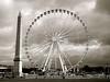 P1380555  PARIS , LA GRANDE ROUE  ,pour la dernière  année (closier.christophe) Tags: paris france placedelaconcorde granderoue manége forains parisfestif obelisque concorde place