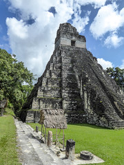 Bauwerk (krieger_horst) Tags: himmel guatemala pyramide tikal wolken bauwerk