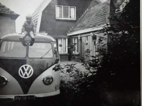 "PV-18-68 Volkswagen Transporter kombi 1952 • <a style=""font-size:0.8em;"" href=""http://www.flickr.com/photos/33170035@N02/27531832009/"" target=""_blank"">View on Flickr</a>"