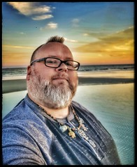 10/27/17 - Sunset on the Beach @ Hilton Head Island, SC (CubMelodic23) Tags: october 2017 vacation trip hdr sunset beach ocean sand hiltonheadisland southcarolina me dave selfportrait