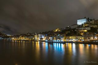 Porto de Noche. Porto at Night.