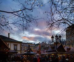 Winterlights - Luxembourg (JØN) Tags: nikon d700 85mmf14g 85mm f14 luxembourg luxembourgcity winterlights 2017 december christmas market bokeh panorama brenizer method brenizermethod