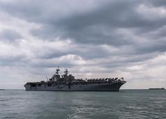 USS America arrives in Singapore (#PACOM) Tags: commander logisticsgroupwesternpacificcommander taskforce73comlogwestpacctf73ussamericalha6singa singapore sg taskforce73comlogwestpacctf73ussamericalha6singaporeportvisit