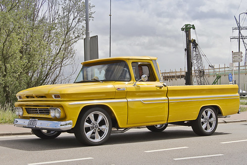 Chevrolet C-10 Pick-Up Truck 1960 (1700)