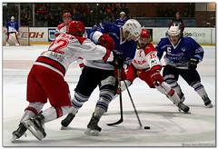 Hockey Hielo - 47 (Jose Juan Gurrutxaga) Tags: file:md5sum=cdfacc30e208e6921938692e2372d3d3 file:sha1sig=75c9935a6d8fd627559f9838f8f35d7d85e717a3 hockey hielo ice izotz txuri txuriurdin jaca final copa
