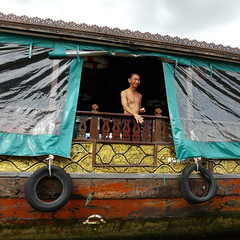 Sonrisa a bordo (grand poulet) Tags: sonrisa canal klong chaophraya bangkok tailandia