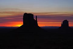 Amazing sunrise over Monument Valley, Arizona (Andrey Sulitskiy) Tags: usa arizona monumentvalley
