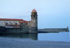 COLLIOURE NOTRE DAME DES ANGES CHURCH PIER AND LIGHTHOUSE (patrick555666751 THANKS FOR 4 000 000 VIEWS) Tags: collioure notre dame des anges church pier and lighthouse cotlliure chiesa eglise iglesia igreja our lady of angels ourladyofangels jetee phare faro france europe europa paisos catalans pays catalan catalogne catalunya pyrenees orientales mediterranee mediterraneo mediterranean colliourenotredamedesangeschurchpierandlighthouse roussillon rossello reflet reflection catalonia cote vermeille