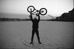 (sele3en) Tags: film 35mm analog filmphotography saintpetersburg russia russianlife russians russianstreetportraitsfilm saintpetersburggraffiti saintp ilford darkroom blackandwhitefilm blackandwhite winter russianwinter ilfotecddx ilfordrapidfixer ilfordilfotecddx city cityscape bigcitylife bikes cycling bmx 2016 documentary