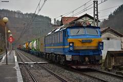 251 (firedmanager) Tags: renfe renfeoperadora railtransport 251 251004 mitsubishi tren train trena ferrocarril freighttrain reina