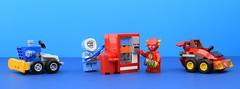 Power Bolt robbery⚡️ (Alex THELEGOFAN) Tags: lego legography minifigure minifigures minifig minifigurine minifigs minifigurines dc comics super heroes captain cold the flash cars snow remover service machine villain micros mighty mini tiny small