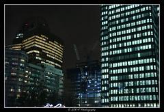 2018.01.02 La Défense by night 49 (garyroustan) Tags: paris france french iledefrance ile island building architecture ville ciudad city nuit night light color noche noel christmas navidad fetes fete feliz joyeux defense