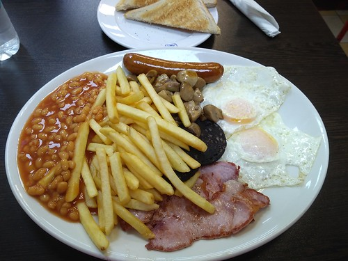 mega breakfast at Sizzles Cafe, E1