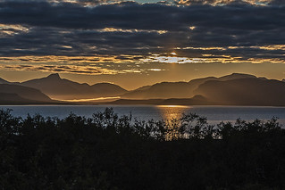 Auringonlasku kolmen valtakunnan raja-alueella