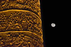 Columna de Trajano (Luis GA) Tags: moon luna lugamor luisga roma rome columna column italia italy black negro nikon d5600 night noche