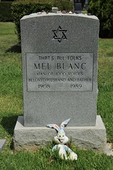 Mel Blanc (DC Products) Tags: 2017 california losangeles hollywood hollywoodforevercemetery cemetery grave melblanc looneytunes