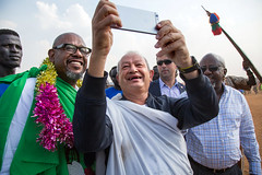 Hollywood actor Forest Whitaker in South Sudan (Albert Gonzalez Farran) Tags: actor america hollywood idp poc us cinema displaced famous juba jubek southsudan