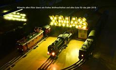 Weihnachtsgrüsse aus meinem kleinen Eisenbahnmuseum. (vsoe) Tags: weihnachtsgrüsse xmas modellbahn spur0 tinplate märklin modeltrain