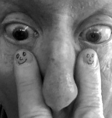 Finger Face (ricko) Tags: selfportrait fingers faces eyes nose werehere fingerpeople bw 2365 2018 blurry