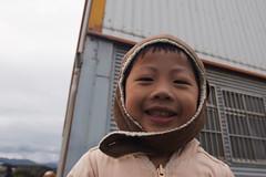 冬日漸暖 (itsbeautifulalways) Tags: 孩童 笑容 天真 冬天