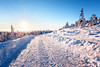 Winterstraße am Brocken (Gruenewiese86) Tags: brocken harz sonnenaufgang winter sunrise explore winterlandschaft winterscape sachsenanhalt germany german deutschland deutsch schnee canon 6d exploreharz berg himmel baum personen felsen kaiserwetter sonne sonnenschein sun