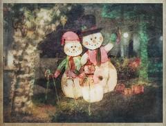 The Frosty Family portrait #snowman #snowmen #moorpark #christmas #christmaslights #brushstroke #photocopier #stackables #formulas #retro #textures #texture #americana #xmas #holidays (harrysonpics) Tags: snowman snowmen moorpark christmas christmaslights brushstroke photocopier stackables formulas retro textures texture americana xmas holidays