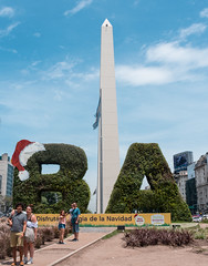 Buenos Aires navideña (ema_e) Tags: argentina buenosaires stre street streetphotography travel traveler traveling trip nikon d3400 design city ciudad architecture people urban christmas navidad