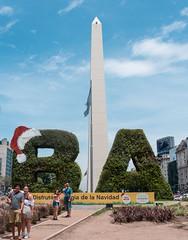 Buenos Aires navideña (ema_e) Tags: argentina buenosaires stre street streetphotography travel traveler traveling trip nikon d3400 design city ciudad architecture people urban christmas navidad
