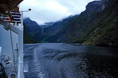 "Norwegen 1998 (183) Nærøyfjord • <a style=""font-size:0.8em;"" href=""http://www.flickr.com/photos/69570948@N04/25496640898/"" target=""_blank"">View on Flickr</a>"