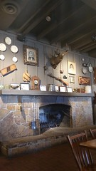 Cracker Barrel - St. Robert, Mo (Adventurer Dustin Holmes) Tags: 2017 crackerbarrel fireplace restaurant strobertmo strobertmissi strobertmis strobertmissouri